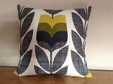 "Handmade Cushion Cover utilisant Orla Kiely Rose Bud dans le maïs Jaune 18"" X 18"""