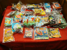 Lot of 36 Mixed Wendy's Toys Mixed Years / Lot H9