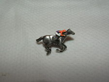 BEHOLDER 2016 BREEDERS CUP HAND PAINTED HORSE RACING JOCKEY SILKS PIN