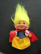 Vintage Russ Trolls Snow White with Apple H2-23