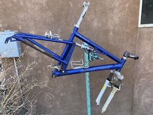 Nice Santa Cruz Blue Superlight Full Suspension Mountain Bike Bicycle (Small)