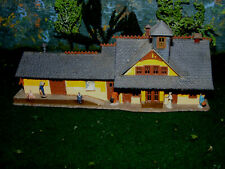 Rare N Scale Custom Built Railroad Station w/People FILE 8891