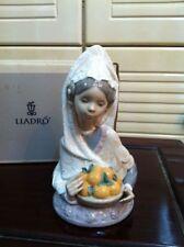 LLADRO COLLECTORS FIGURINE VALENCIAN HARVEST 5668 GIRL W/A BASKET OF FRUIT BNIB