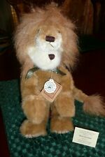 New~Melvin Sortalion~ 2001~Nos~Bear in lion suit~Music box plays circus tune~