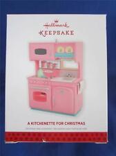 2013 Hallmark Keepsake Weihnachtsschmuck pink Küchenzeile QXG1562 NIB