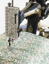 Con licenza di William Morris SWEET BRIAR Floreale Tessuto di Cotone da metà METRO