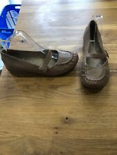 Clarks Size 7 Nude Leather Mary Jane Flat Comfort Shoes