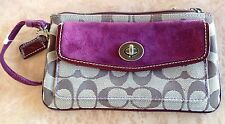 VINTAGE   SIGNATURE COACH Jacquard/Berry/Brown Small WRISTLET Pre-owned