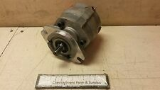 """NOS Cross Hydraulic Motor SAE 'A' 2-Bolt Mount 5/8"""" Shaft 360028 40PH15DAC-SC"""