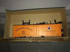ATHEARN Northern Pacific reefer car Discontinued blue box Kit Free shipping