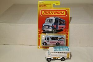 MATCHBOX RETRO EXPRESS DELIVERY AND LOOSE CHOW MOBILE TACOS FOOD TRUCK LOT OF 2