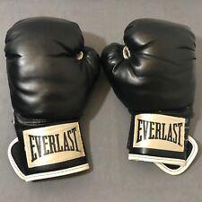 Everlast Wristwrap boxing training gloves