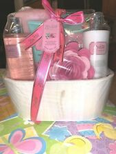 Lovestee English Rose Bath & Body Spa Gift Set Shower Gel Lotion Bath Salt New