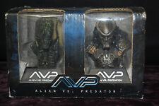 AVP Alien vs Predator Limited Edition Mini Bust 2-Pack Set Figurines [S8115]
