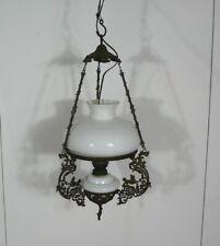 Antike Hänge Petroleumlampe Jugendstil, Eisenrahmen + Glas weiß, um 1910