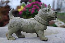 Chien,sculpture en pierre bleue