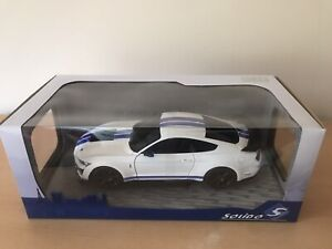 Ford Mustang Shelby GT500 Fast Track Racing 2020 white 1:18 scale Solido MODEL