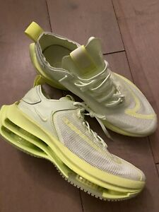 Nike Zoom double stacked womens volt green size 11.5 w / 10 mens shoes