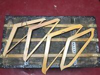 4 Anciens cintres en bois - French Vintage wooden coat hangers - 4 pièces