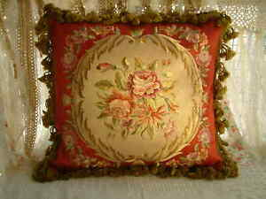 "16"" Elegant Burgandy Classic French Aubusson Design Embroidery Throw Pillow"