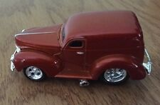 MUSCLE MACHINES-----FORD PANEL TRUCK----1:64