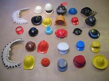 LOT PLAYMOBIL / CHAPEAUX, CASQUES, CASQUETTES / 28 PIECES / TRES BON ETAT
