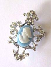 broche bijou vintage couleur argent camée résine buste de femme brooch 3404