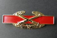 US ARMY COMBAT ARTILLERY DIVISION AWARD CANNONS LAPEL PIN BADGE 3 INCHES