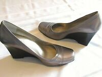 ME TOO WOMEN'S SILVER LEATHER WEDGE PUMPS, SIZE 8 MEDIUM
