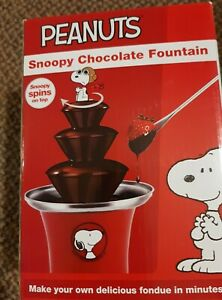 NEW -  PEANUTS SNOOPY CHOCOLATE FOUNTAIN by Smart Planet