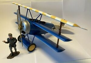 Built Revell 1/28 Fokker Dr.1 Richthofen Flying Circus circa 1918