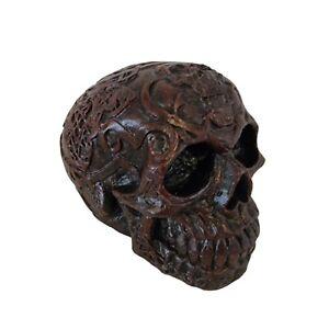 Concrete skull - Black & red