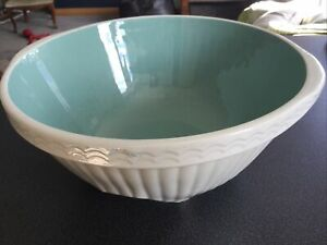 Vintage T. G. Green & Co white ribbed Easimix bowl with teal inside