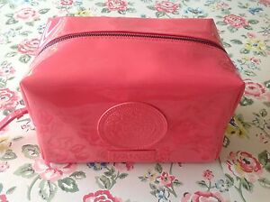 NEW⭐️⭐️VERSACE⭐️⭐️Pink Patent Vanity Case Pouch Bag Case⭐️⭐️Cosmetic Makeup