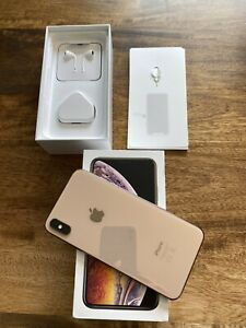 Well Loved Apple iPhone XS Max - 64GB - Gold (Unlocked) Near Perfect Condition.