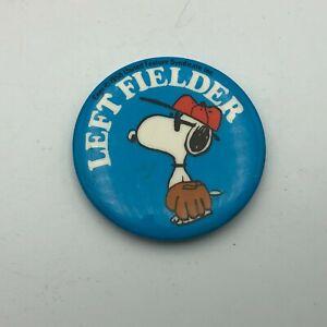 1958 Snoopy Baseball Left Fielder Button Pin Pinback Peanuts Vintage  P6