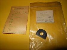 NOS OEM Kawasaki KE175 KD175 1976-78 OIL PUMP GROMMET 92071-091