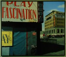 Günther J. Herrmann Play Fascination datiert 2006 Fotorealismus Öl signiert