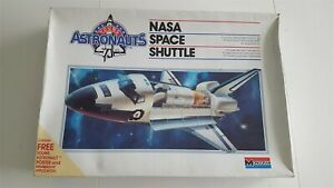 "Monogram 1/72 Nasa Space Shuttle ""Young Astronauts"" *Vintage* Plastic Model Kit"