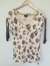 Witchery patterned top / T-shirt - Size XS (fits S too - size 6 and 8) - NWOT