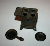 Vintage Cast Iron Queen Toy Stove with Skillet and bigger Burner Lid