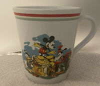 Vintage Disney Mickey Mouse, Goofy, And Donald Duck treasure chest coffee mug