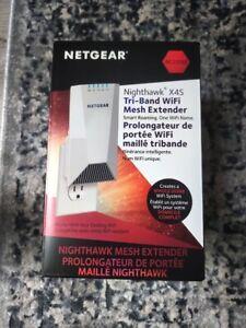 New Netgear Nighthawk X4S AC2200 Tri-Band WiFi Mesh Extender EX7500-100CNS