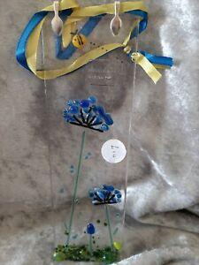 Handmade Fused Glass Flower Flower And Bee Suncatcher 20cm X 6cm