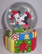 Walt Disney Kissing Mickey & Minnie Mouse Gift Christmas Musical Snow Globe