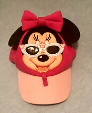 💚 Disney Parks MINNIE MOUSE Wearing Sunglasses Holder Pink Hat Soft Toddler