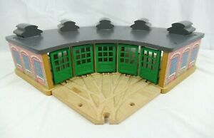 Thomas The Train Wooden Railway Tidmouth Station Roundhouse Engine Shed