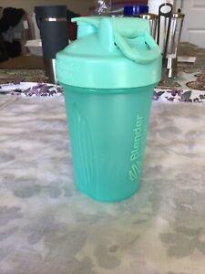 Teal 20oz Blender Bottle