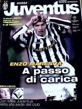 Hurrà Juventus 3 2002 con maxi poster Trezeguet a Ferrara