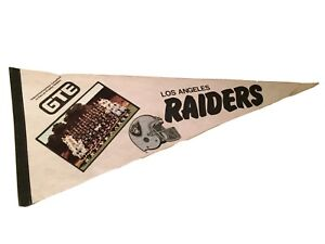 Los Angeles Raiders 1980's GTE Pennant Flag w/ Full Team Photo